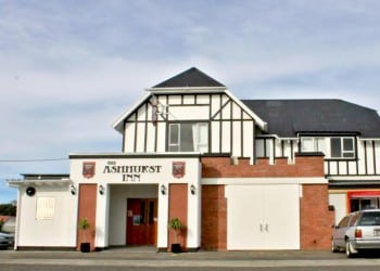 Ashhurst Inn