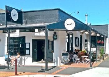 Essence Cafe & Bar