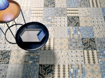 freature-tiles2
